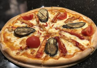 19 BBQ Pizza